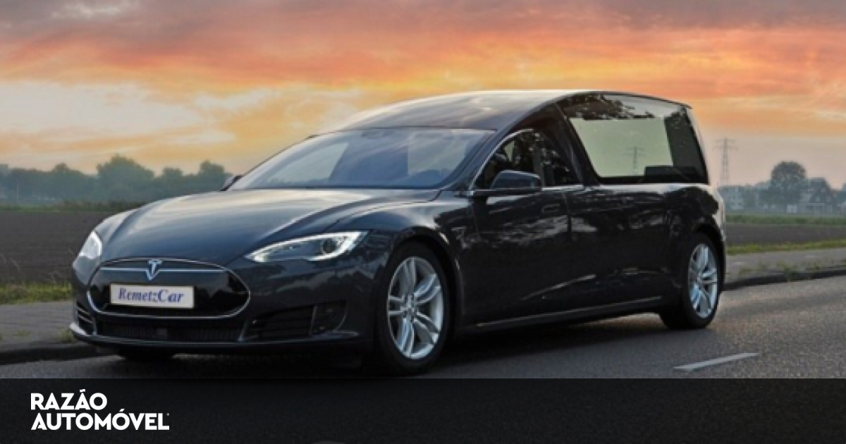 Tesla Model S Transformado Numa Carrinha Funer 225 Ria
