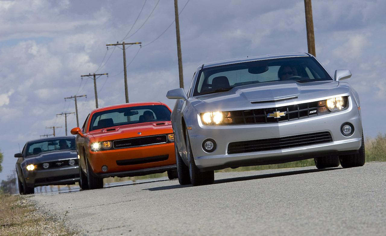 ford-mustang-gt-dodge-challenger--chevrolet-camaro-ss