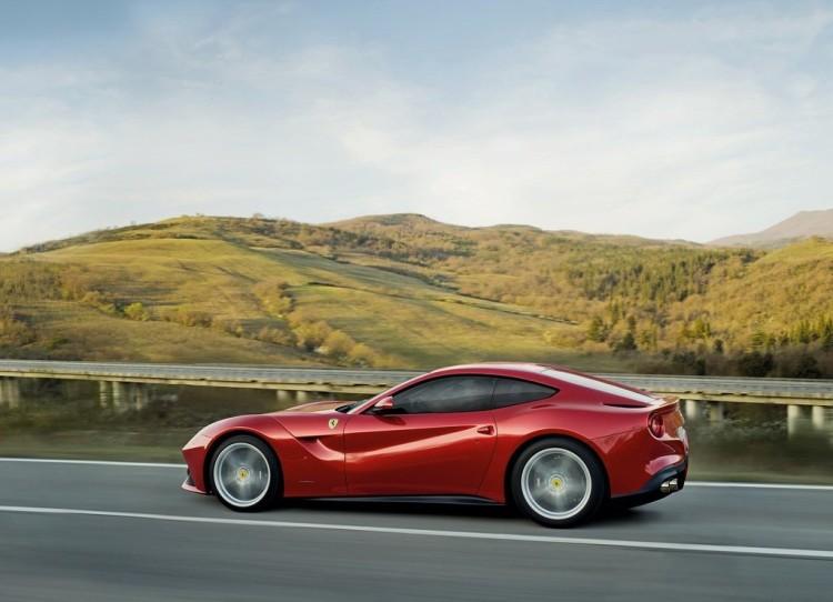 Ferrari-F12berlinetta_2013_1024x768_wallpaper_73