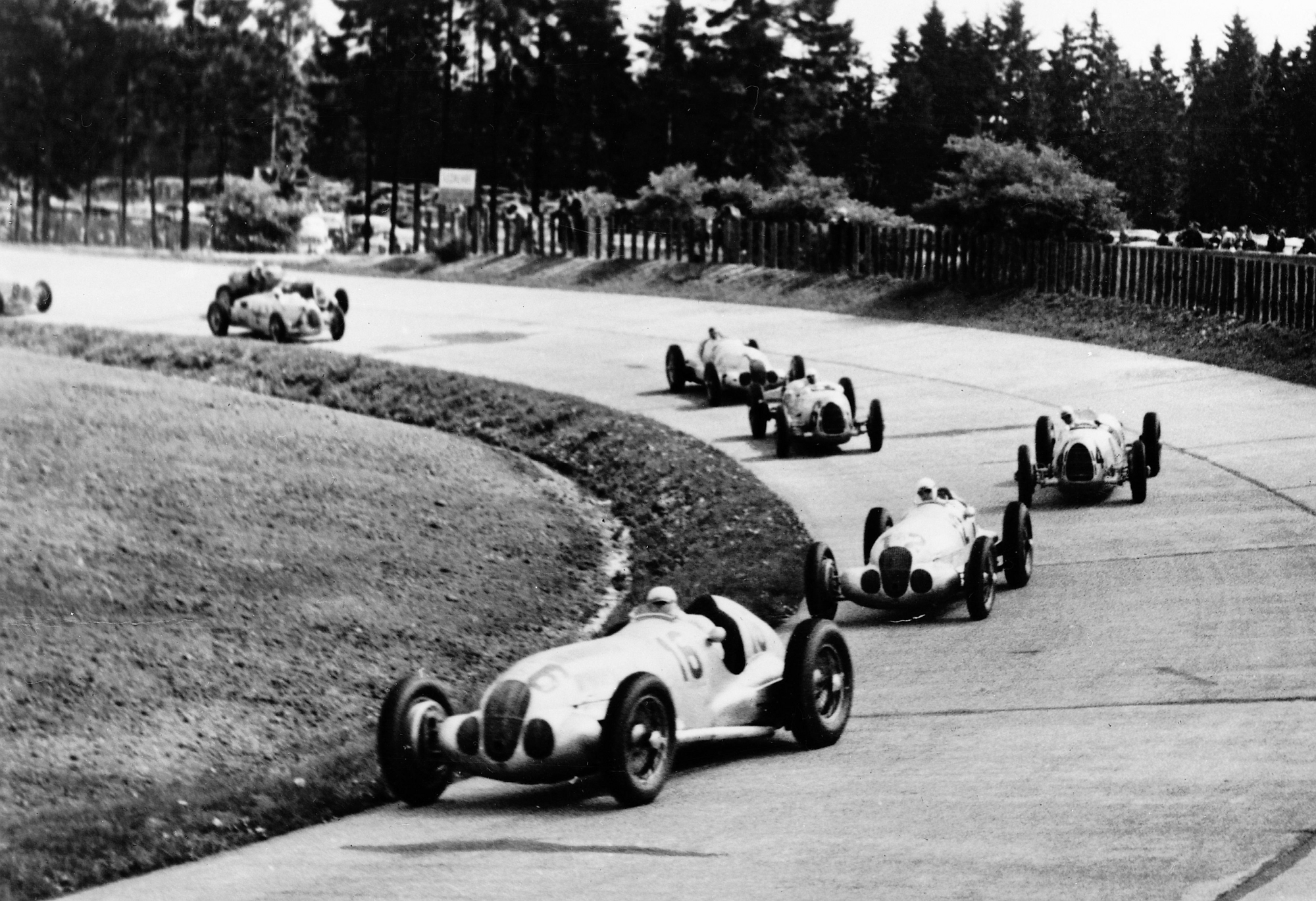 1938_MercedesBenz_W125_recorde