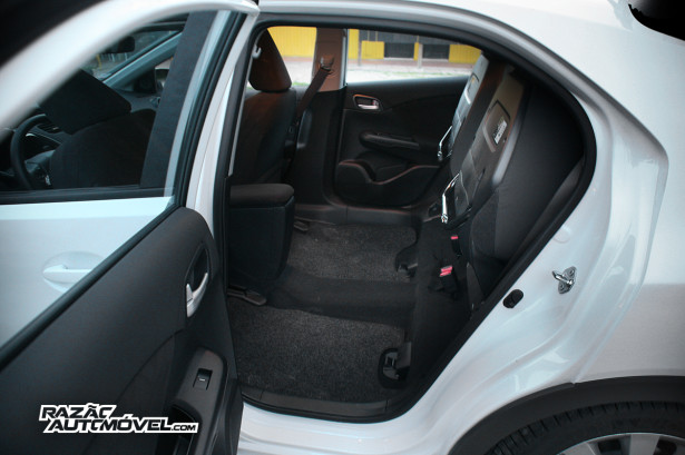 Honda Civic 1.6 2013 33