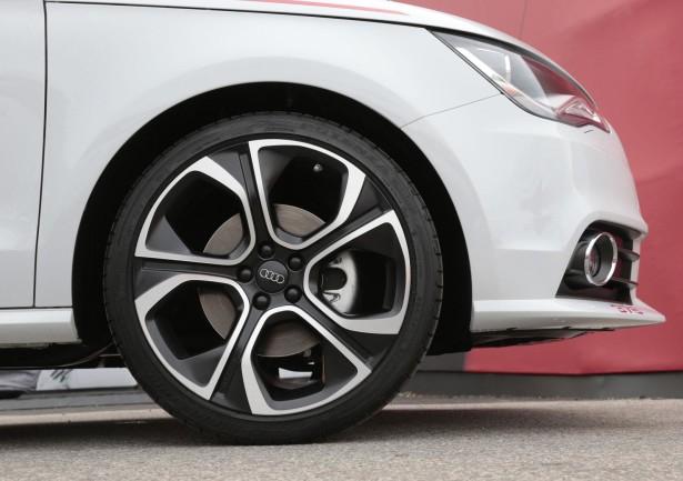 Audi A1 R18 Red Plus 6