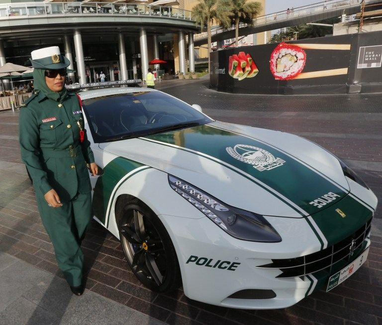 dubai police ferrari ff 2. Black Bedroom Furniture Sets. Home Design Ideas
