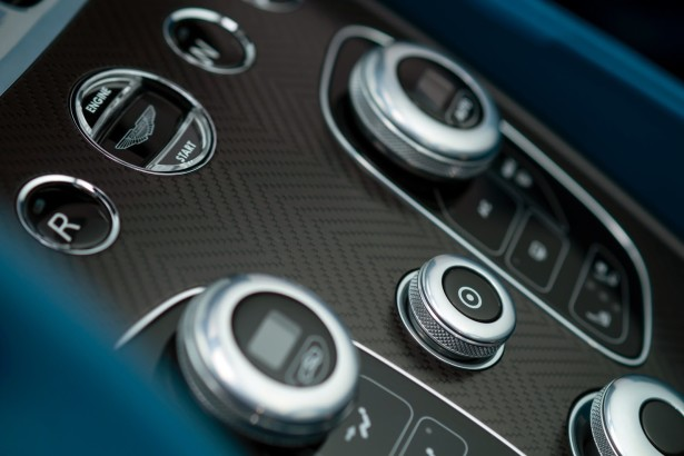 Novo-Aston-Martin-Vanquish-Volante-Cabriolet 8
