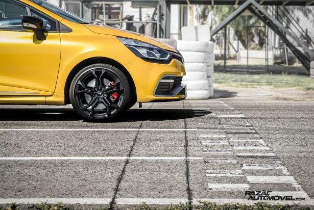 Renault Clio RS 200 EDC teste 03