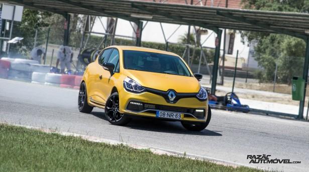 Renault Clio RS 200 EDC teste 09