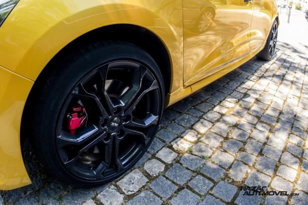 Renault Clio RS 200 EDC teste 23