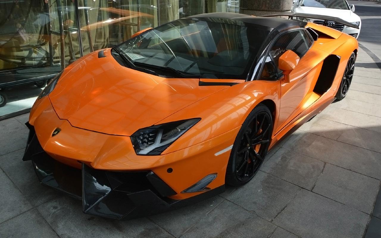 Nos últimos Tempos Tornou Se óbvio Que A DMC Vive Com Uma Clara Obsessão  Por Trabalhar Em Modelos Da Lamborghini.
