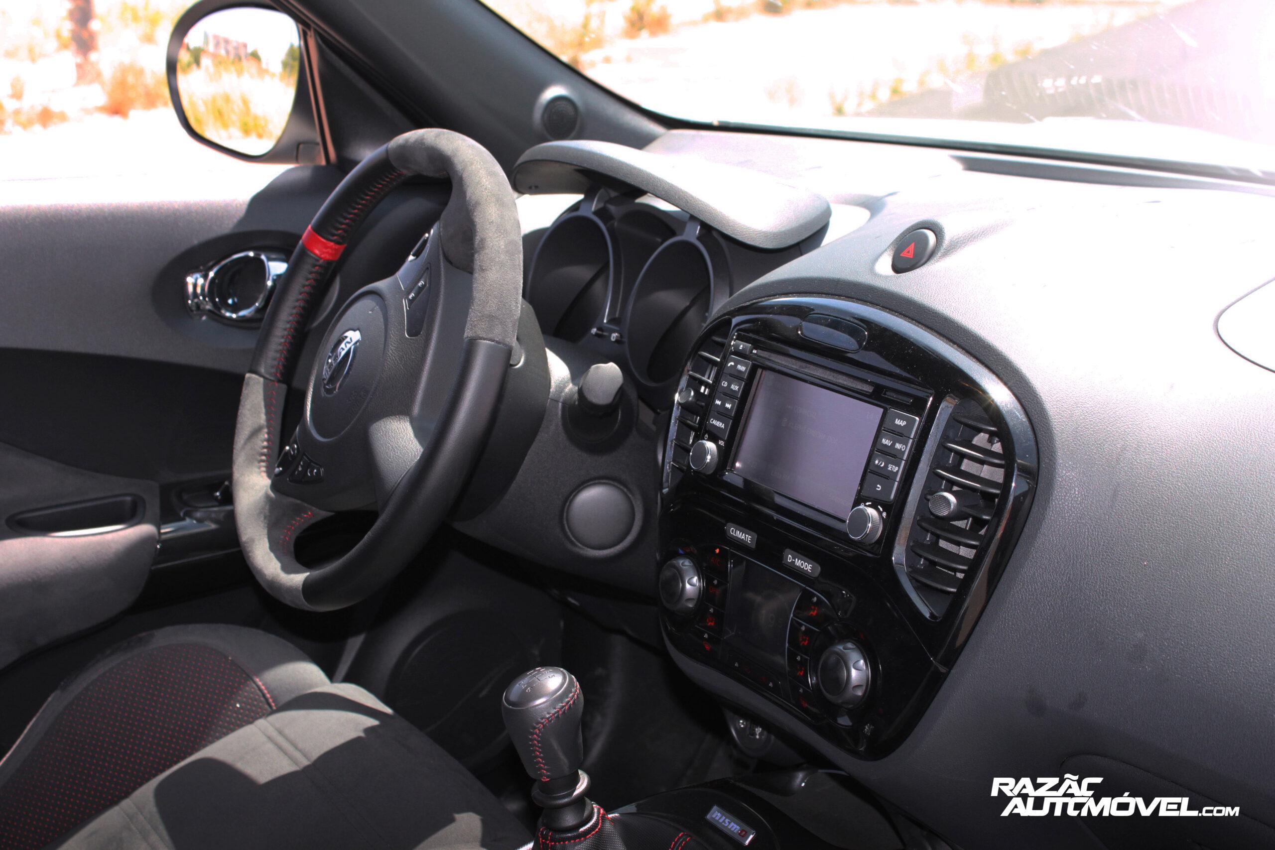 Nissan Juke Nismo interior