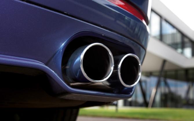 2013-BMW-Alpina-B7-Biturbo-Details-Tailpipes-1280x800