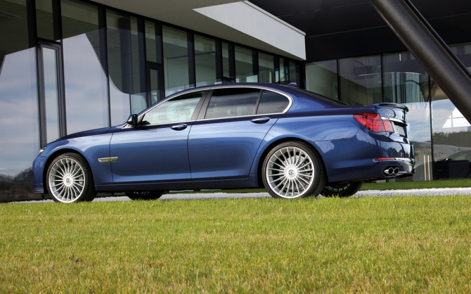 2013-BMW-Alpina-B7-Biturbo-Static-3-1280x800