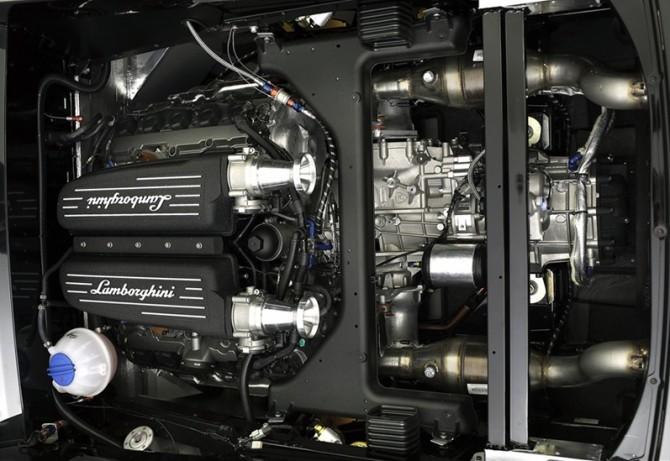 2013-Reiter-Engineering-Lamborghini-Gallardo-GT3-FL2-Mechanical-Engine-Compartment-1280x800