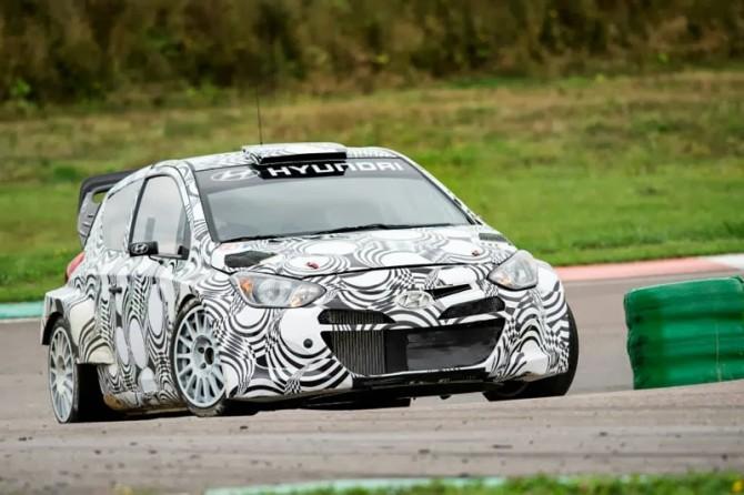 Hyundai i20 WRC - Testes em asfalto