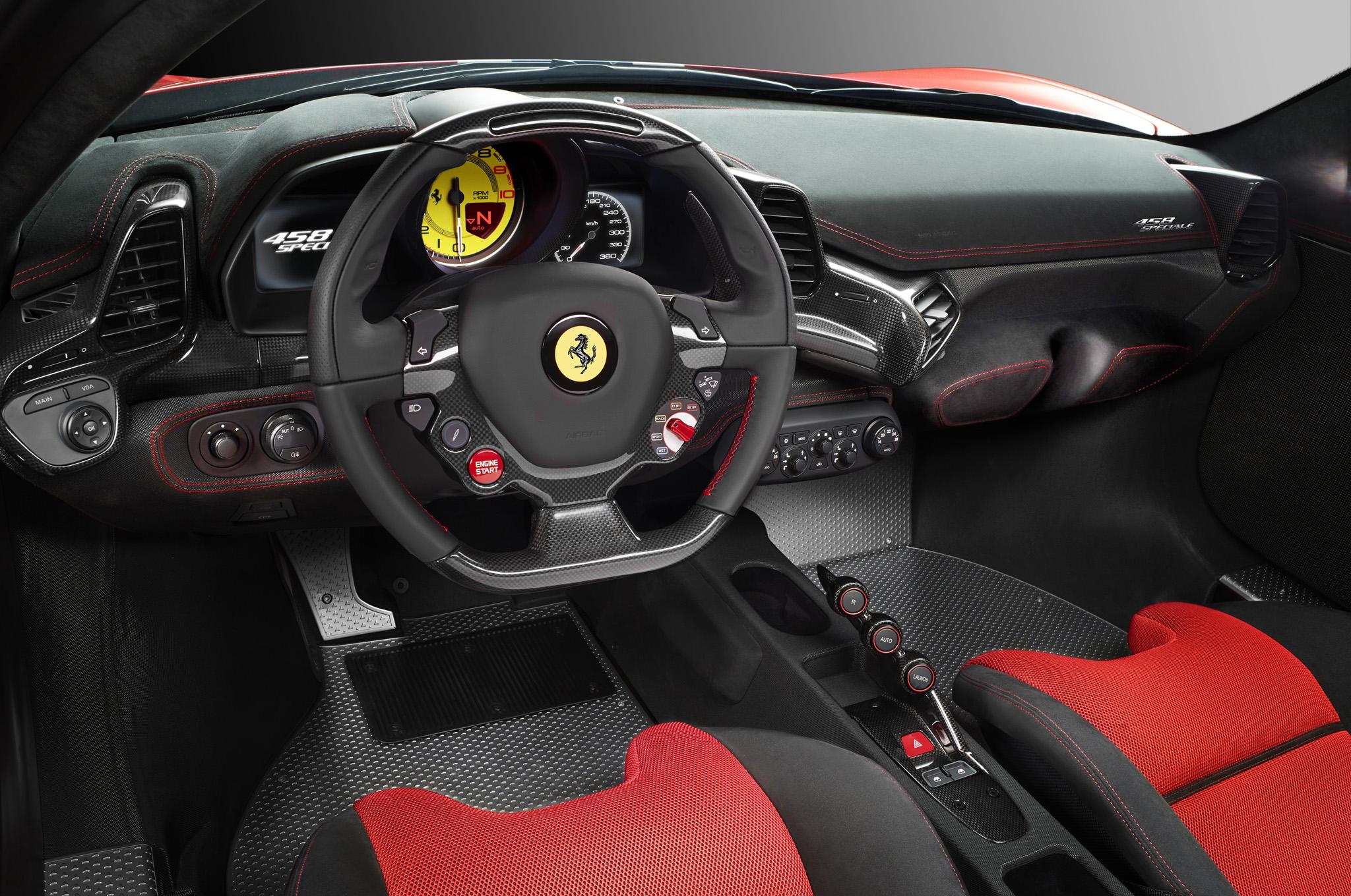 Interior do Ferrari 458 Speciale