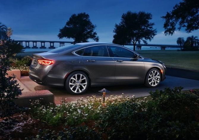Chrysler-200 (4)