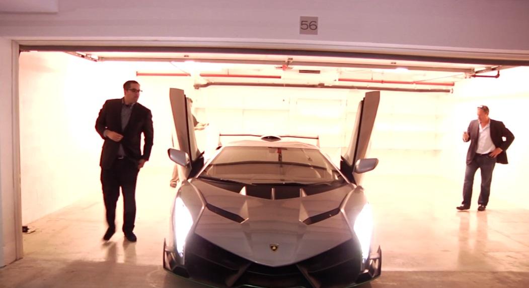 Lamborghini Veneno Assistam A Entrega De Um Dos Tres Exemplares C