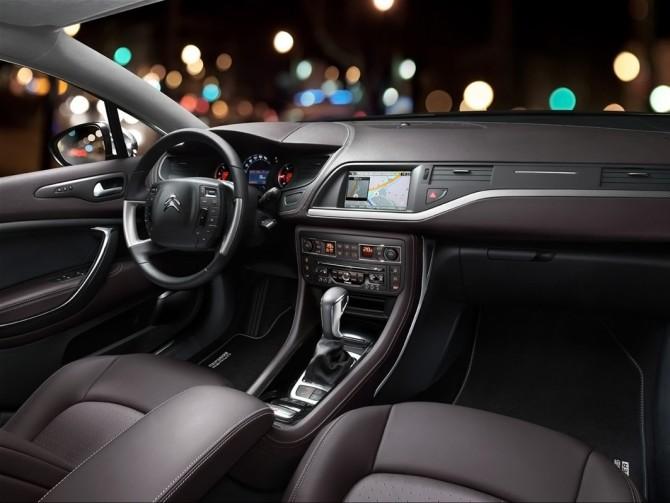 2014-Citroen-C5-CrossTourer-Interior-2-1280x800