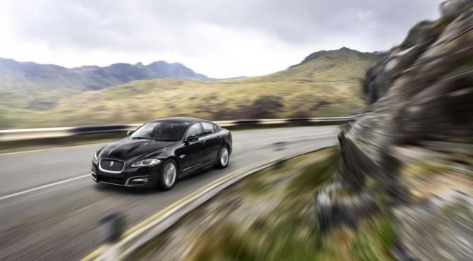 Jaguar XF R-Sport 3