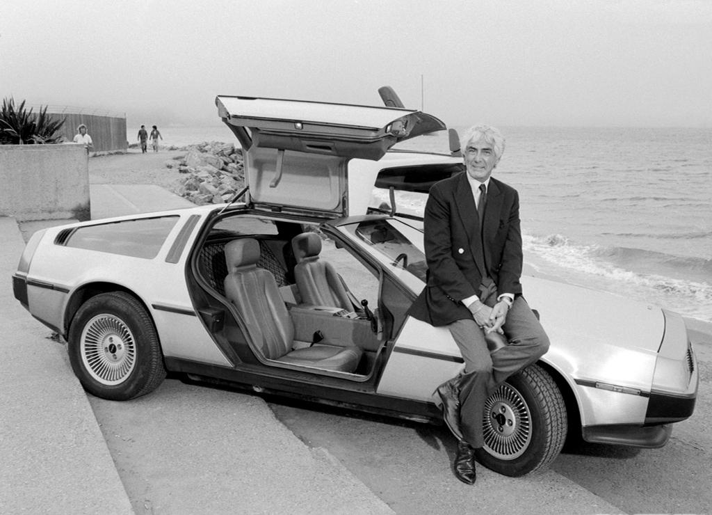 John DeLorean e o DMC-12