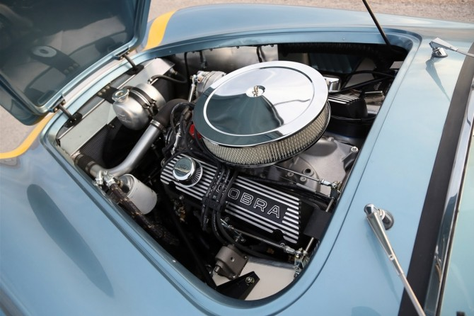 2014-Shelby-Cobra-289-FIA-50th-Anniversary-Engine-3-1280x800