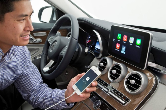 Mercedes Apple CarPlay 1