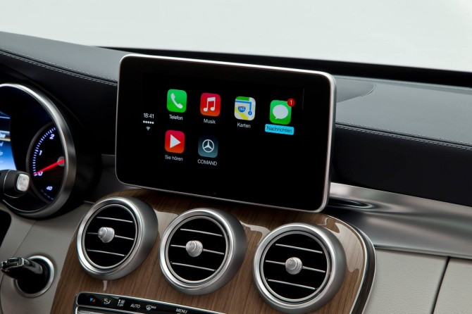 Mercedes Apple CarPlay 3