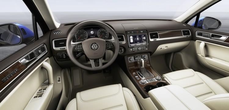 2016 VW Touareg (2)