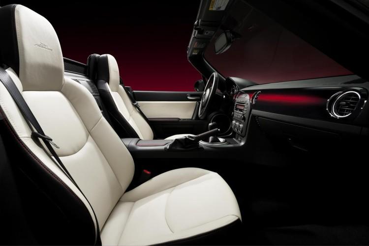 Mazda_MX-5_25th_anniversary_2014_3
