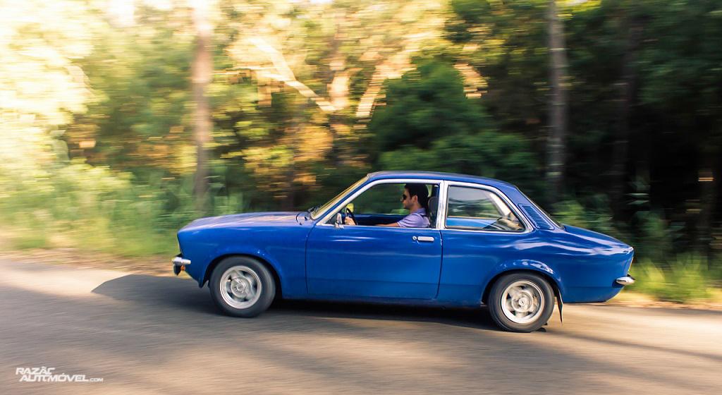 Opel 1204 Sedan 2 portas