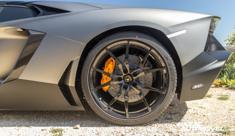 Lamborghini Aventador Roadster 50th anniversary 4