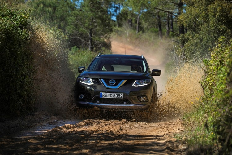New Nissan X-Trail Black (12)