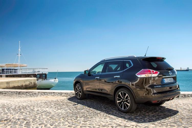 New Nissan X-Trail Black (6)