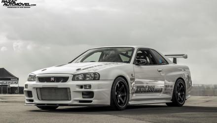 Nissan Skyline R34 2