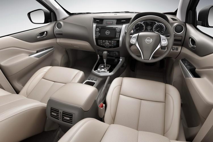2015-Nissan-Navara