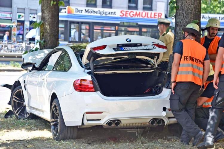 BMW M4 ACIDENTE 2