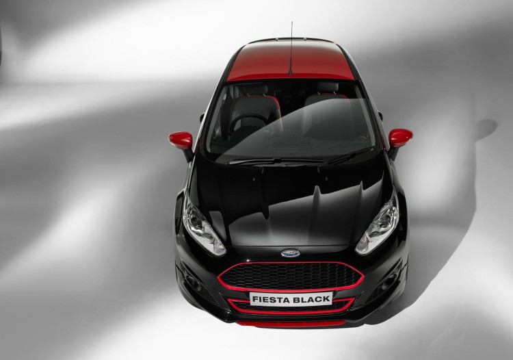 ford_fiesta_red_black_2014_4