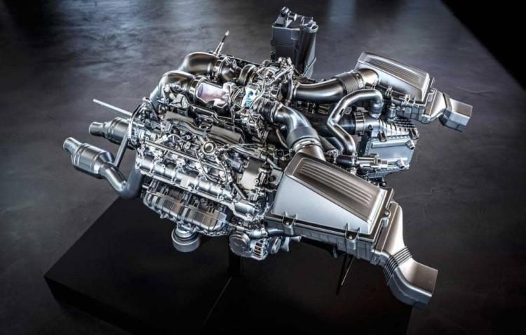 mercedes_amg_4_liter_b8_biturbo_engine1
