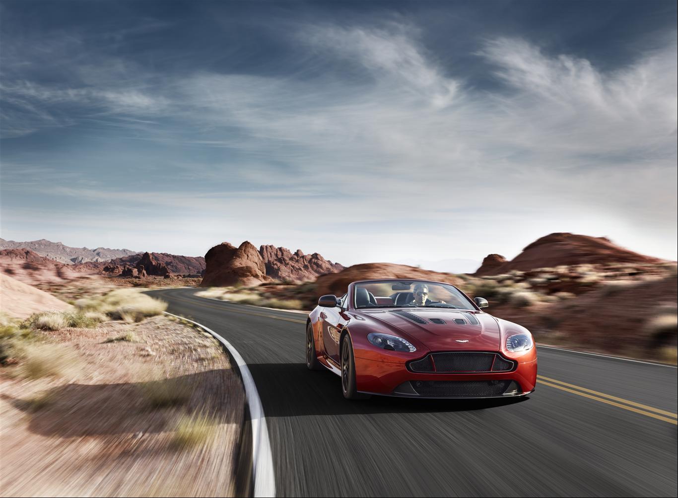 O Aston Martin V12 Vantage S Roadster E Um Hino Aos Descapotaveis