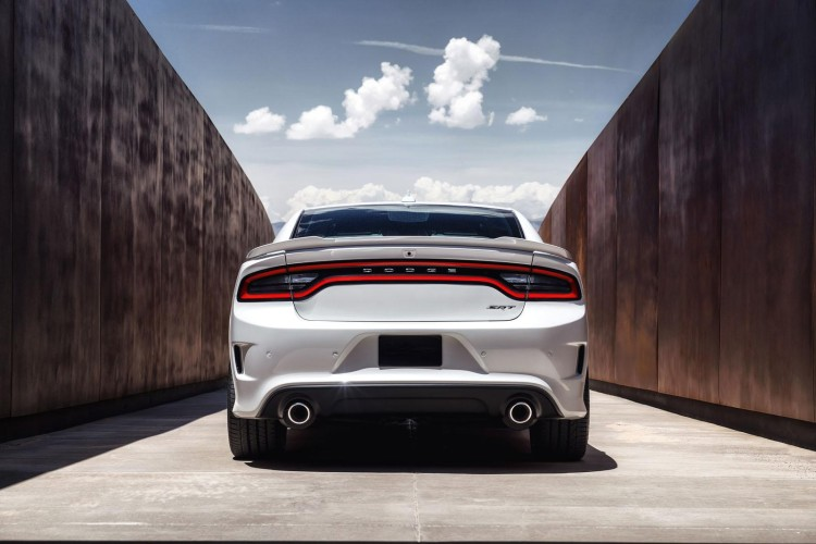 Dodge Charger SRT Hellcat 31