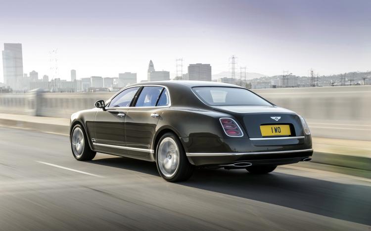 2015-Bentley-Mulsanne-Speed-Motion-2-1680x1050