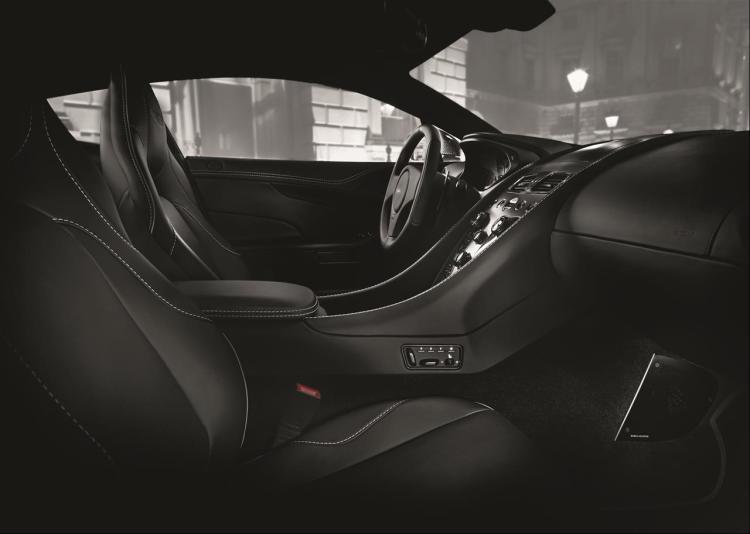 Aston Martin Vanquish Carbon (11)