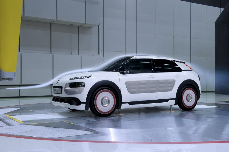 citroen-reveals-c4-cactus-airflow-2l-concept-video-photo-gallery_22