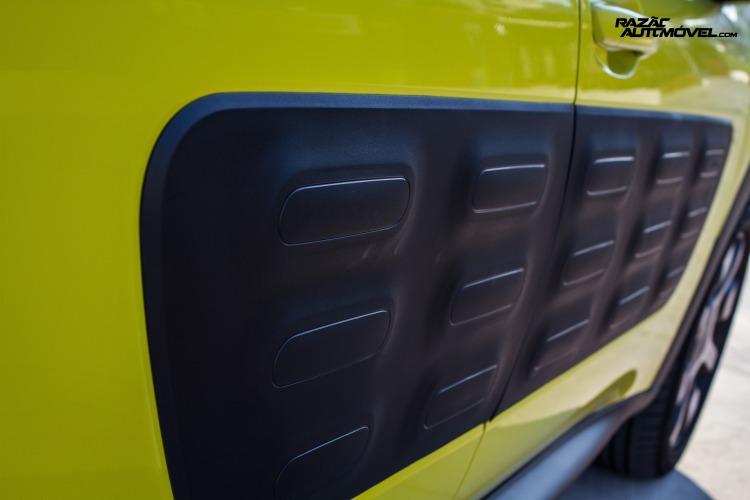 Citroen C4 Cactus air bump