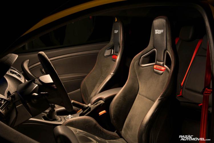 Renault Megane RS Trophy-10