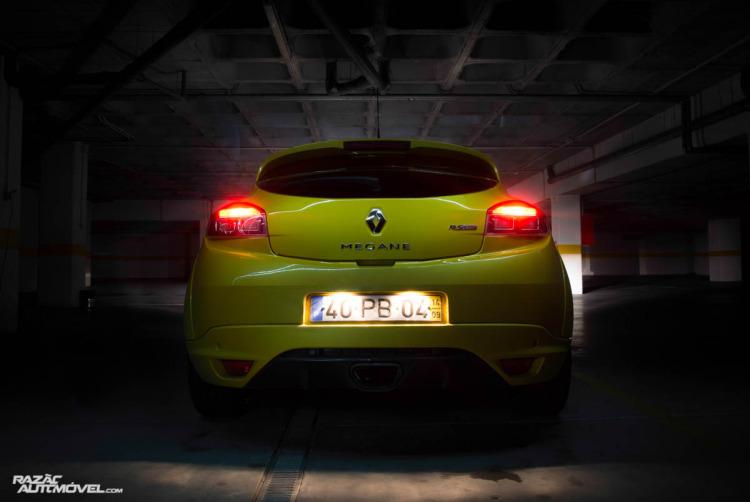Renault Megane RS Trophy-2