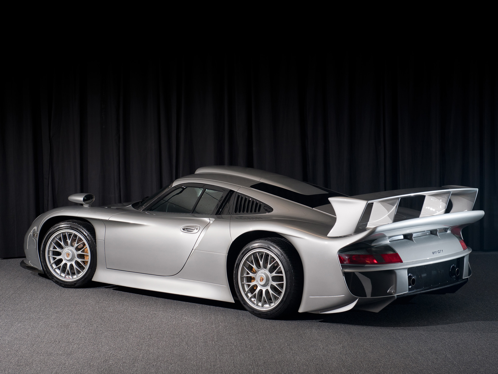 911 GT1 Straßenversion (5)