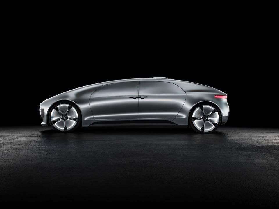 Mercedes-Benz_F015_Luxury_in_motion_2015_65