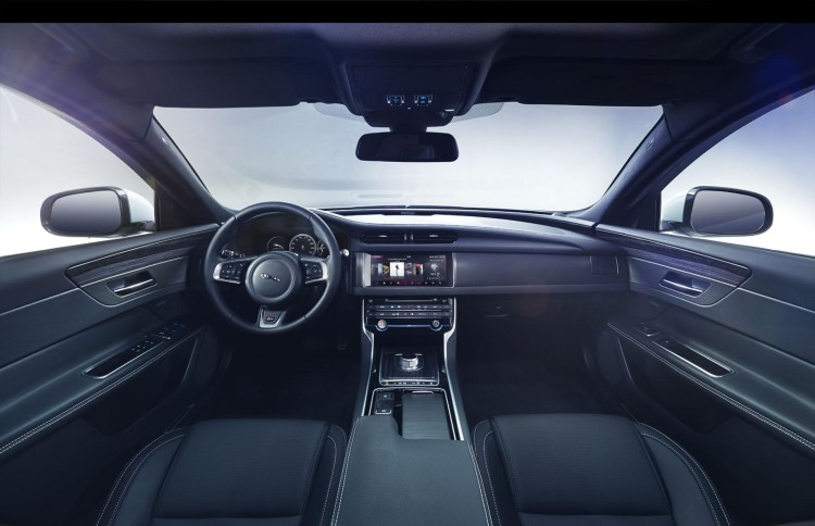 novo jaguar xf interior 1