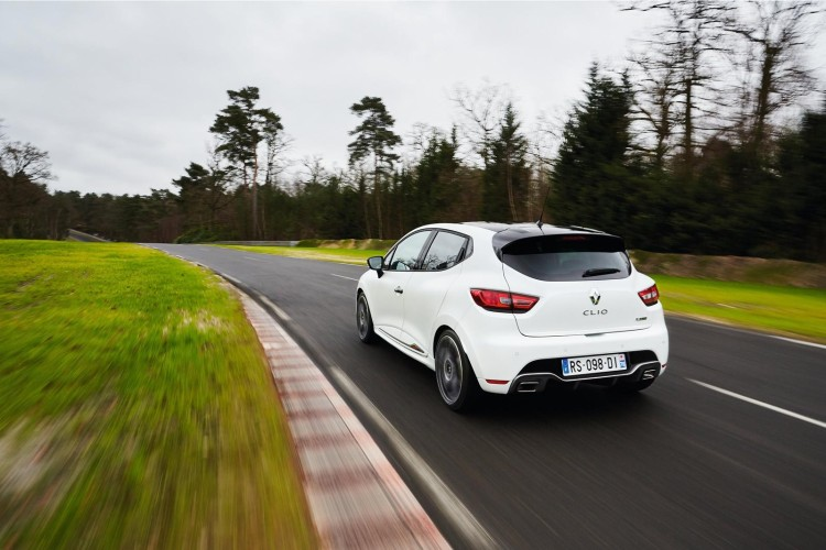 renault_clio_rs220_trophy_2