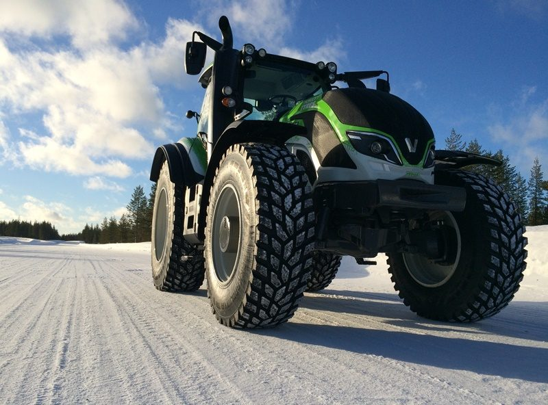 Nokian Tyres Fastest Tractor 2015